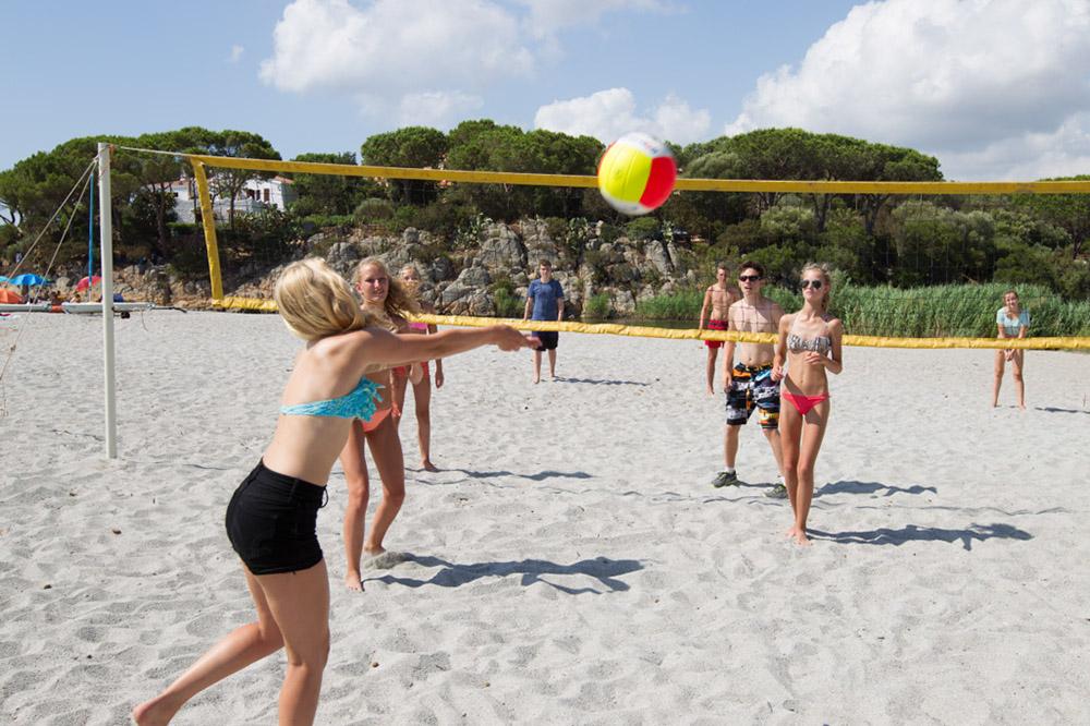 Frosch Sportreisen - Beachen in Sardinien